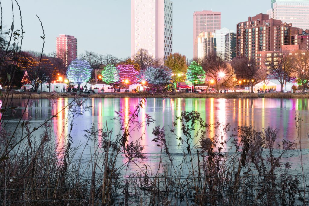 Holidazzle+is+a+free+yearly+Minneapolis+tradition+that+features+lights%2C+music%2C+outdoor+movies%2C+ice+skating%2C+local+food+vendors+and+beer.+The+event+runs+Thursday+through+Saturday+until+December+23%2C+with+a+small+fireworks+show+at+6%3A00p.m.+on+Saturdays.+Holidazzle+moved+to+the+park+when+Nicollet+Mall+began+construction.+Photo+credit%3A+Benjamin+Pecka