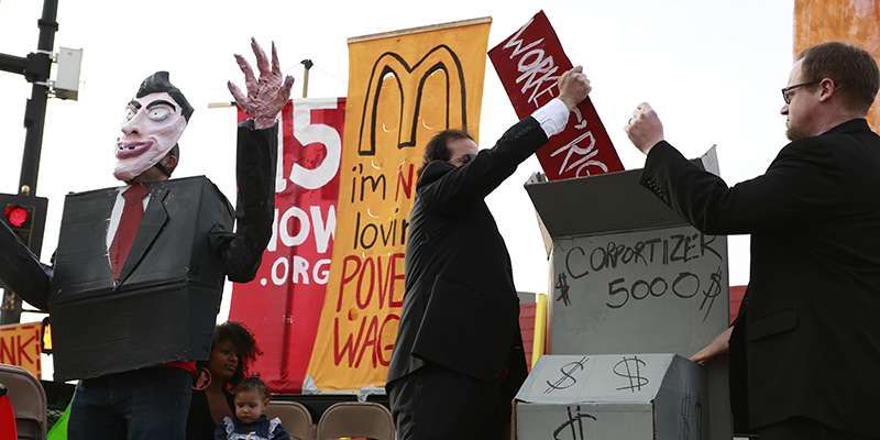 Students, community members rally for higher minimum wage
