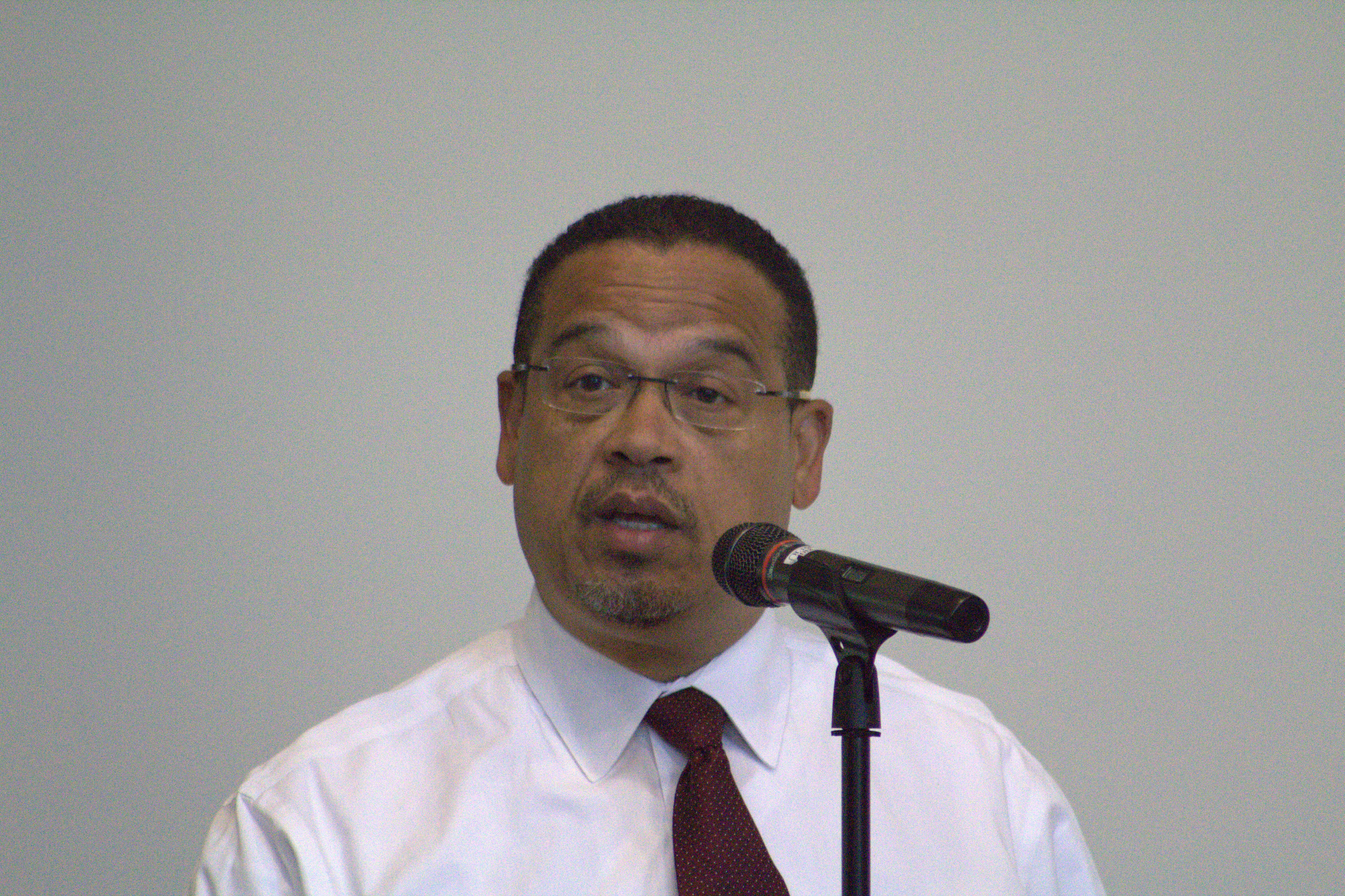 Rep. Keith Ellison answering a question during a Q&A sessions at MCTC. Photo by Mark Wasson